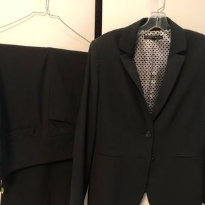 Antonio Melani Ladies Dark Navy Suit, Size 10
